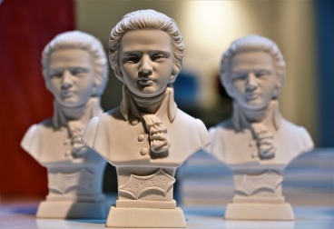 Sculpture bust of Mozart to illustrate Mozart effect.